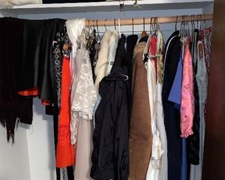 WOMEN'S CLOTHING AND COATS