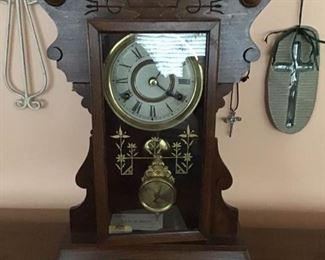 New Haven Clock Co. Antique Pendulum Clock