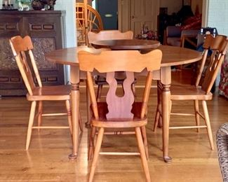 Duckloe Table and Chairs