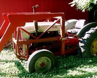 Ford Model 800 Tractor