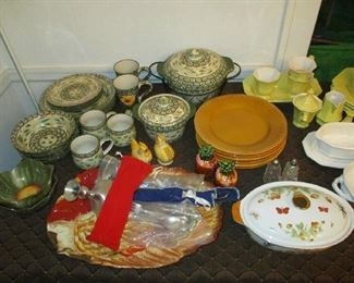 Kitchen and glassware items
