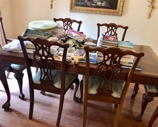 Traditional dining table & chairs