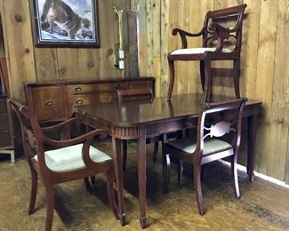Nice antique table & chairs w/extra leaves