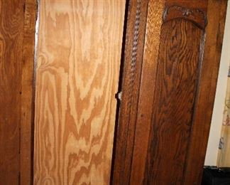 "ONLINE AUCTION ITEM #13 - Antique oak wardrobe - approximately 48.25"" long, 81.5"" tall."