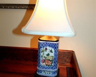 "ONLINE AUCTION ITEM #31 - Small Asian ceramic lamp - approximately 15"" tall."