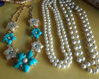Fashion jewelry with a WOW factor.