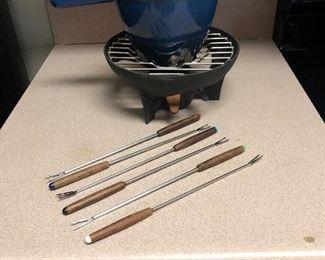 Le Creuset fondue set