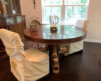 Gorgeous Round Pedestal Table