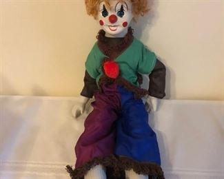 1970's vintage porcelain Musical clown, plays send in the clowns
