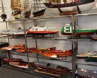 Hydroplane racing boat model