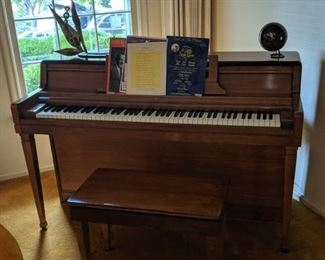 Wurlitzer Upright Piano and Bench incl. Sheet Music