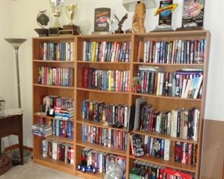 Novels by Stephen King, Dean Koontz, Johnathan Kellerman, Clive Cussler and many more