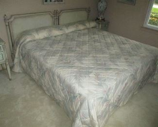 King size bed or two twin beds