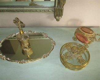Dresser set and mirrored tray