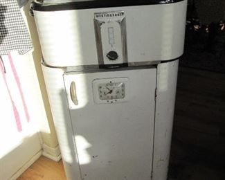 Westinghouse roaster on original metal cabinet