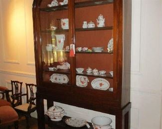 Arched Display Cabinet, Mahogany, Arts & Crafts style details, lighted, Early 20th Century