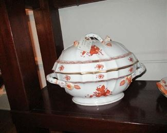 Herend Tureen & Lid, Chinese Bouquet, Rust