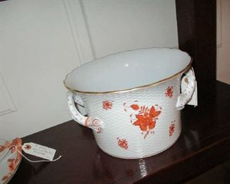 Large Herend Cache Pot, Chinese Bouquet