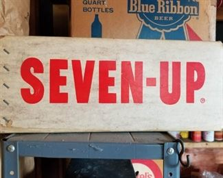 Seven up and Pabst boxes