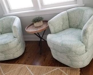 Set of two swivel chairs & accent table