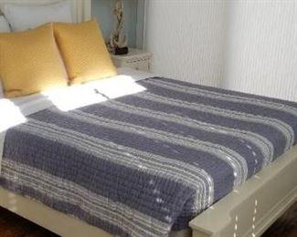 Bassett bed detail