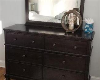 Bassett dresser with mirror
