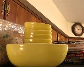 VIntage Pyrex, glassbake and more