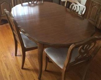 Dining Room Table https://ctbids.com/#!/description/share/259837