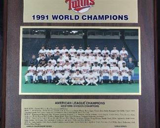 "Minnesota Twins 1991 World Champions Wall Plaque (13"" x 16"")"