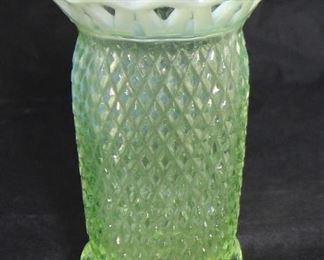 """Imperial opalescent 4 toed green Vase 5"""" H"""