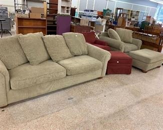 Sofa Chsirs tables Bed porcelain 2 Refrig etc