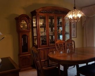 Buffet, table chairs