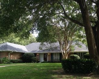 This 2598 sq. ft. home, listed by Lisa Turner of Fathom Realty, is for sale; contents and consignments must go!
