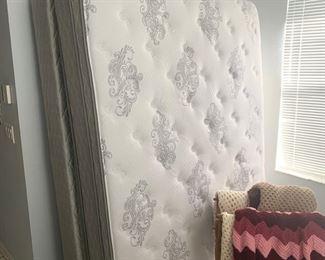 Queen mattress set with metal frame