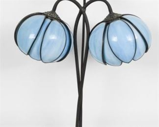 Handel Style Lily Lamp