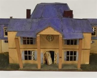 Early 20th Century Vintage Dollhouse w Furniture