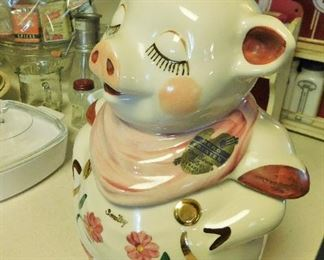 Beautiful Shawnee Smiley Pig. Original label. Gold buttons and accents.
