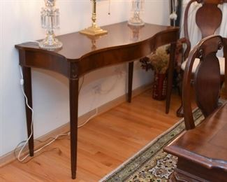 Lovely Traditional Console Table / Server