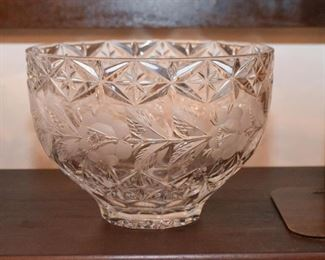 Crystal & Glassware (Cut Crystal, Pressed Glass, Etc.)