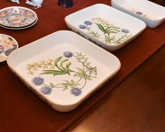 """Pair of Spode """"Stafford Flowers"""" Casseroles / Baking Dishes"""