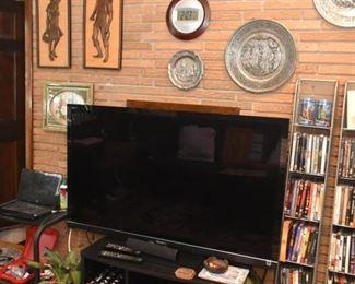 Sony Bravia Flatscreen TV, TV Stand