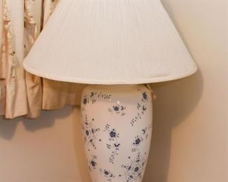Blue & White Pottery Table Lamp