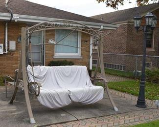 Outdoor Garden Canopy Swing