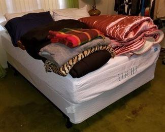 Like new full size memory foam bed