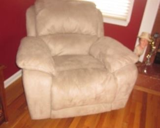 Thomasville Sectional Sofa Recliner & Lounge Chair