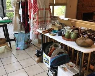 Hull Kitchen items, Table Linens and Aprons.