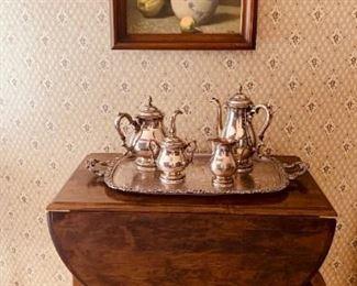 Early American style tea cart