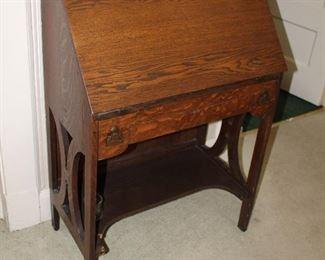 Oak Larkins Desk