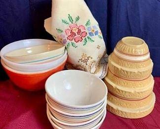 Vintage Roseville Bowls, etc. https://ctbids.com/#!/description/share/261812