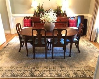 Henkel Harris dining room table, 2 additional leaves, table pads and 6 chairs